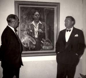 M. Chevalier e Max Moreau davanti al suo autoritratto