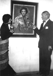 Chevalier e Lia Origoni davanti al ritratto